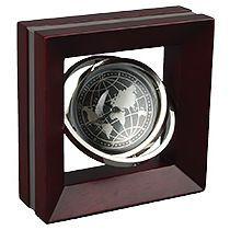 Часы настольные «Норт-Кингстаун» с картой мира