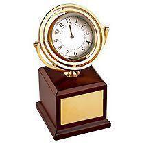 Часы на постаменте «Disk»