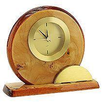 Часы настольные «Карельская береза» с шильдом