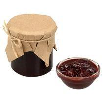 Варенье из вишни с шоколадом и коньяком в подарочной обёртке