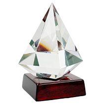 Награда «Бриллиант» на постаменте