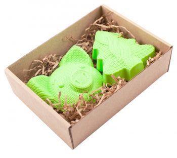 Набор вязаный «Свинка + Елочка», в коробке