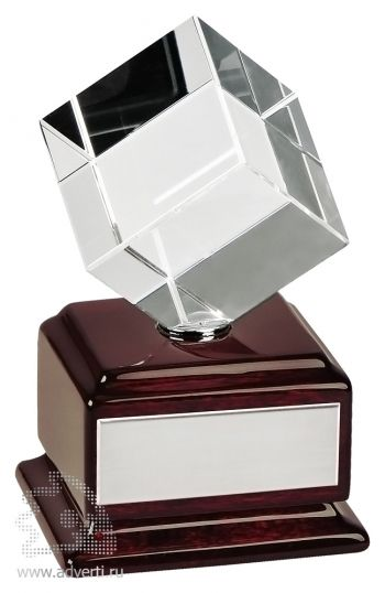 Стела «Куб вращающийся»