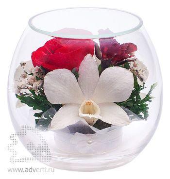 Композиция из роз и орхидей в чаше