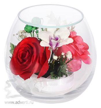 Композиция из красных роз и орхидей
