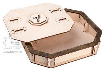 Подарочная коробка с замком, открытая