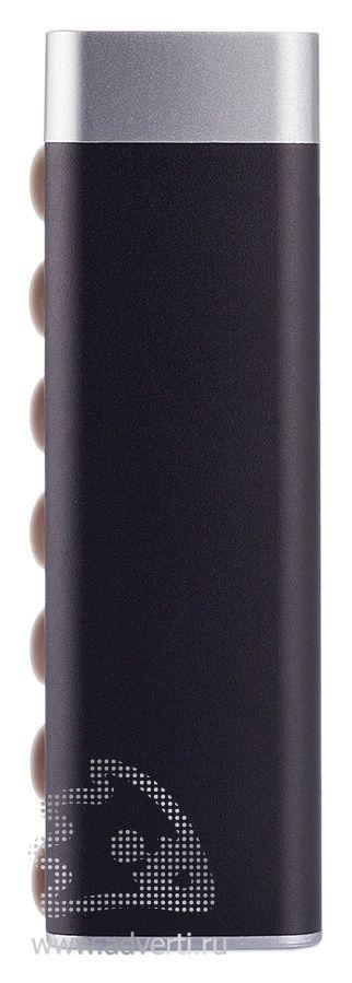 Зарядное устройство треугольной формы с присосками, черное, сбоку